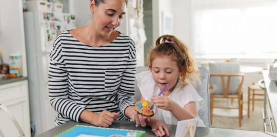 Make paint palette cookies with Baby Boy Bakery and Little Passports